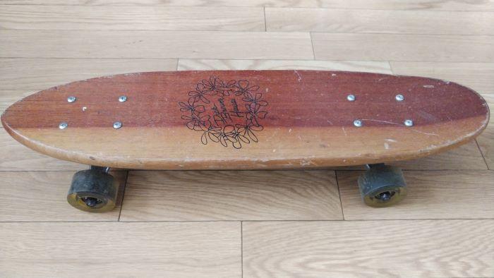 サーフィンの慣らし運転は、スケートボードでほどほどに!